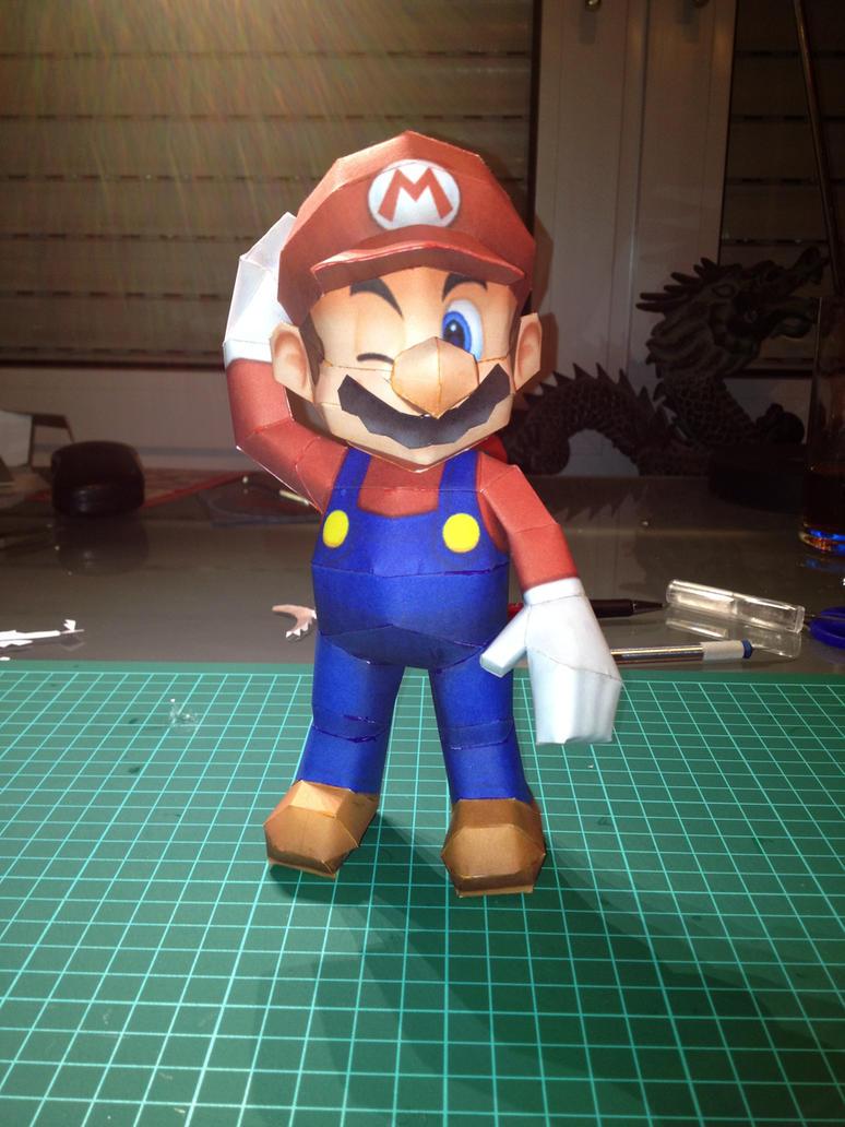 Mario papercraft by ScarletHeartfilia