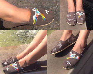 TOMs with paint art pattern