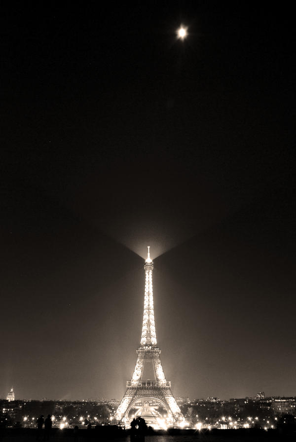 Tour Eiffel by icyblush