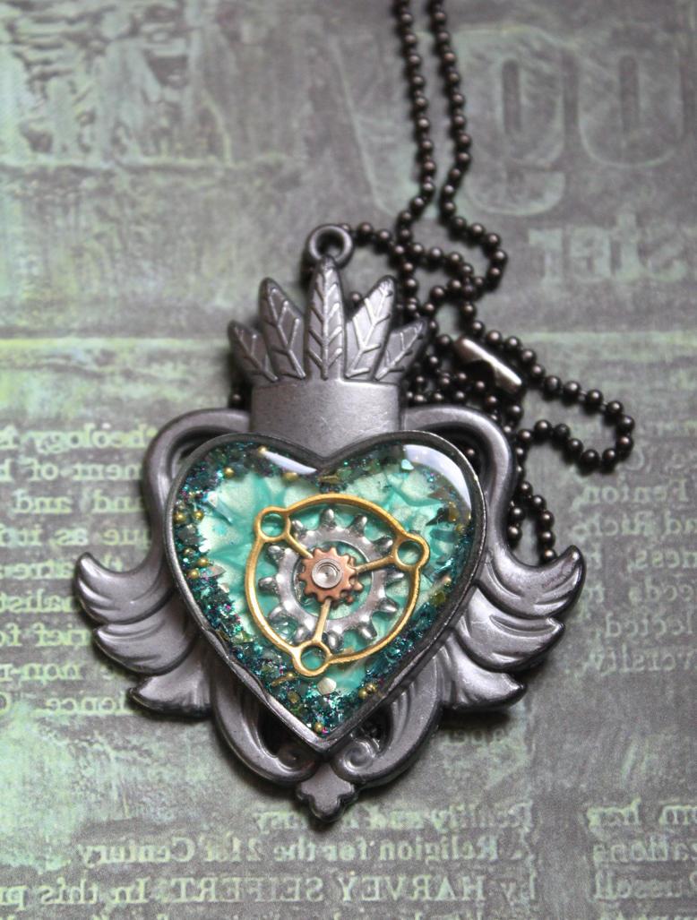 Green heart by sillysarasue