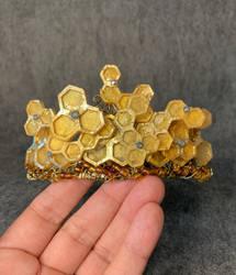 This week's tiara:  Honeycomb Tiara
