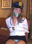 chica policia capturada 2