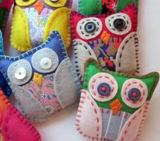 Mini Felt Plush Owls by lovarevolutionary