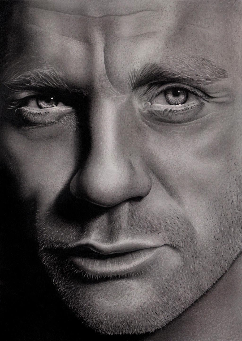 Daniel Craig by Lianne-Issa