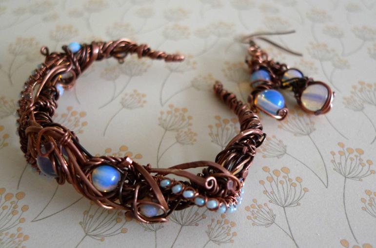 Moonlight Bracelet 02 by Lexandritte