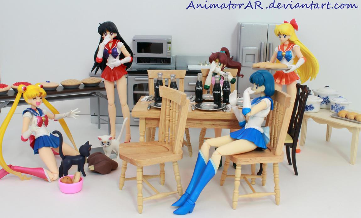 Sailor MishapThanksgiving by AnimatorAR