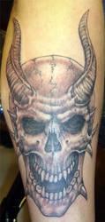 horned skull by arcaneserpent