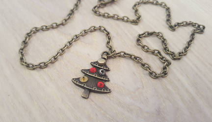 Christmas tree necklace by LikeNewCrafts