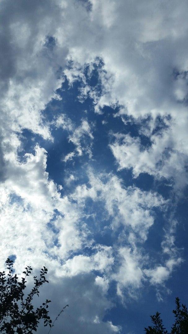 Sky by LouiseGrundentaler