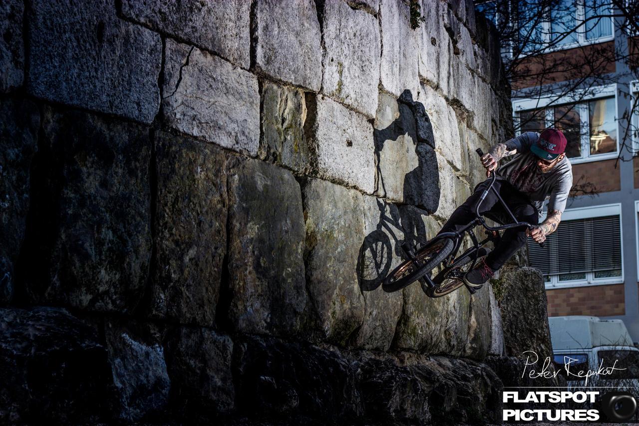 BMX-Goetz Wallride