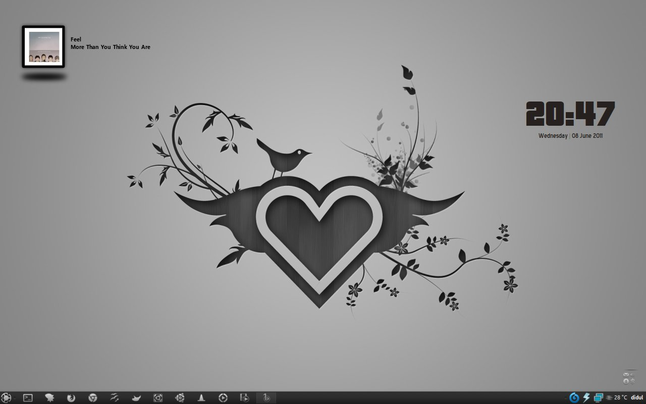 Love Simple Desktop by yo-bhan
