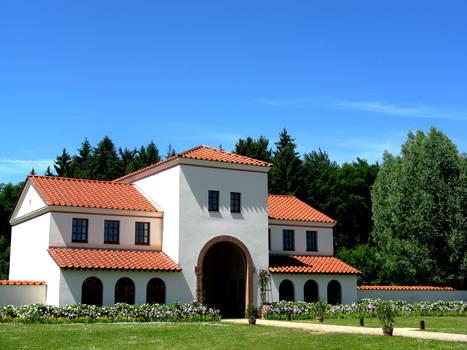 Roman Gatehouse