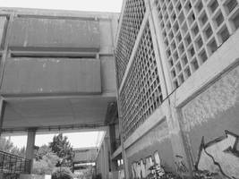 Lost in the Megastructure: Overground-Slabs