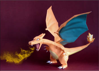 Charizard Papercraft by Skele-kitty
