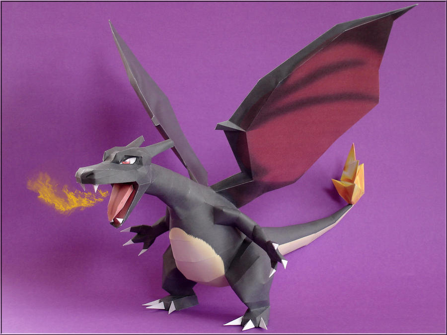 Shiny Charizard Papercraft by Skele-kitty