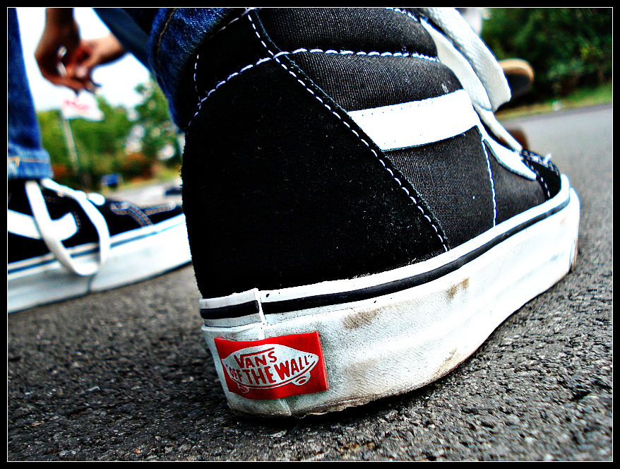 Off The Wall Arts vans off the wallkrymenanox on deviantart