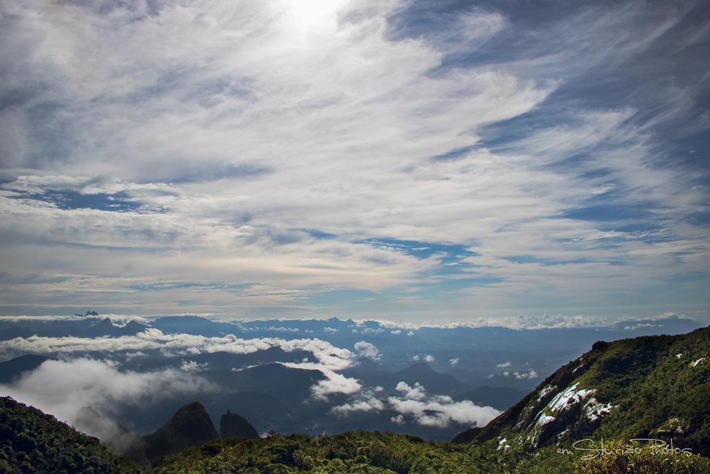 Vista da Pedra da Baleia - RJ by EMSTURIAO