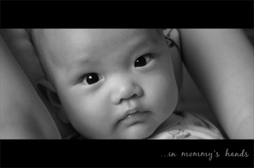 in mommy's hands by tanintan