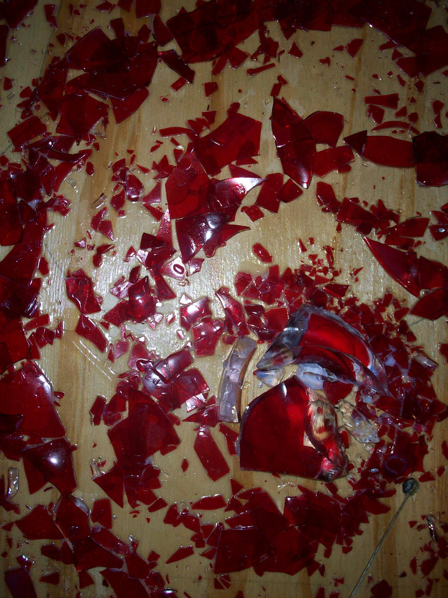 Broken Glass Broke On Itself Reason Meaning Superstition