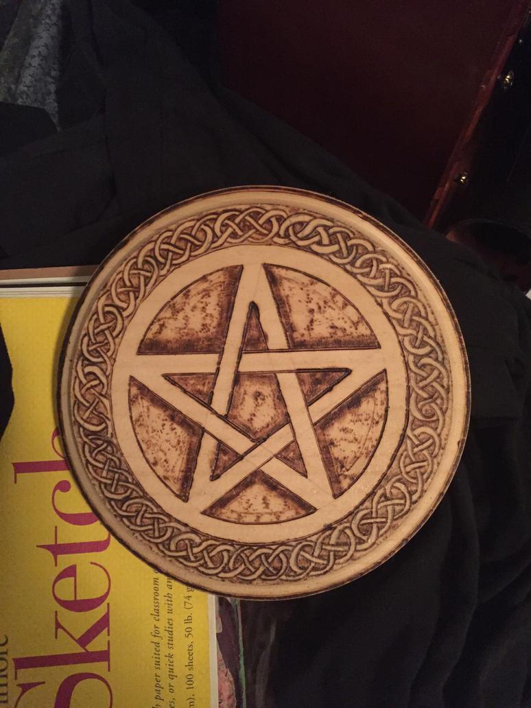 Wiccan star burning by katyspuppy