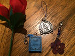 Alices Lucky Nico Robin necklace and rose