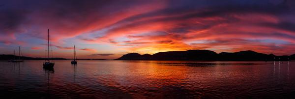 Corsica-Sunrise by Greentinn