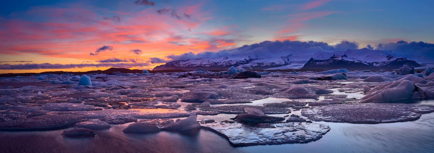 glacier pano by MartinAmm