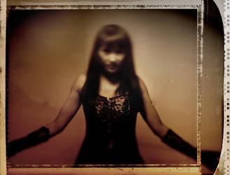apparition 2 by bleuz