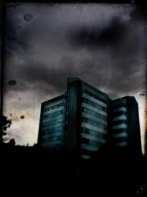 night shift by bleuz
