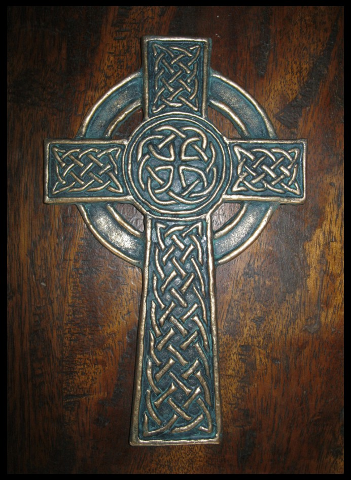 Celtic cross by toneloperu on deviantart