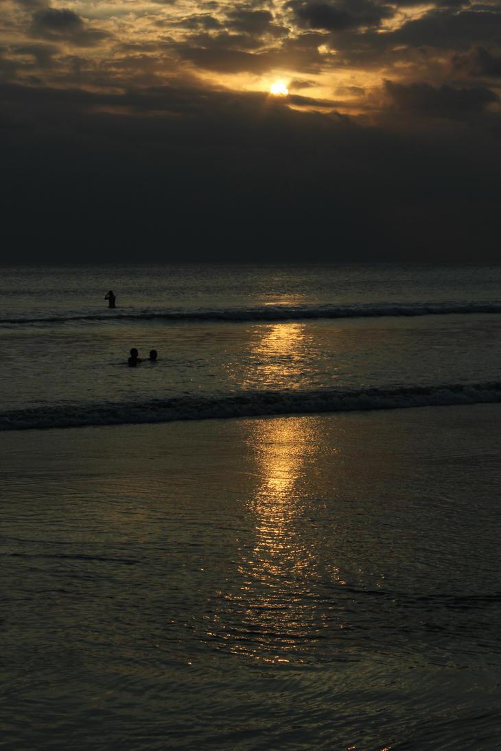 Waiting Sunset by onesto3
