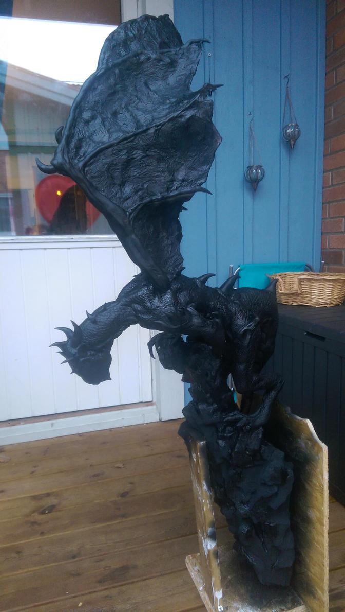 Dragon all black.. by urbe