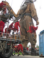 Royal de Luxe.  Jumping down by Velouriah