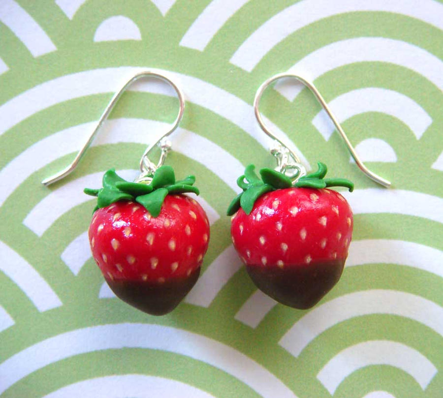 Chocolate Strawberry Earrings by KawaiiCulture