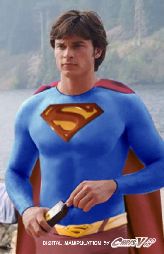 fc01.deviantart.net/fs70/f/2011/148/c/e/tom_welling_as_superman_by_chris_v981-d3hhe3t.jpg