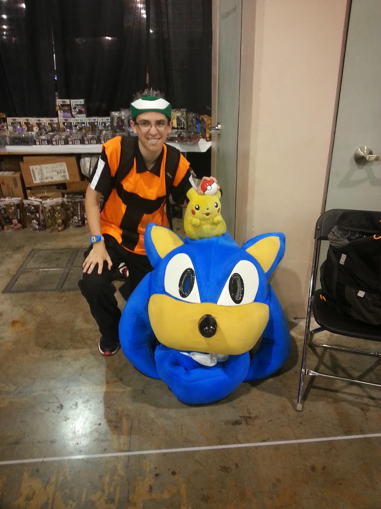 Me and a Sonic Head by DominicSega123