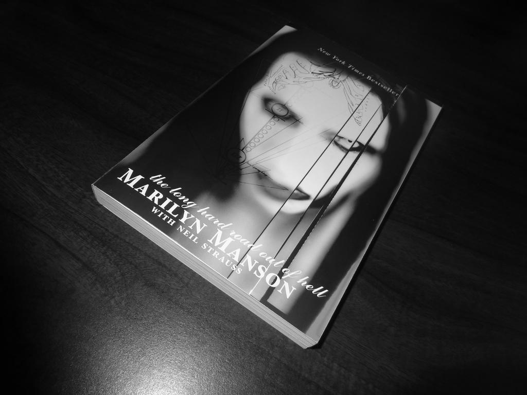 Marilyn Manson   The Long Hard Road Out of Hell