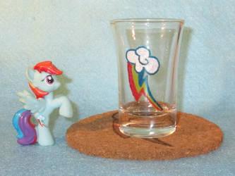 Rainbow Dash Cutie Mark shot glass and cork coaste by Malte279