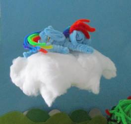 Pipe Cleaner Sleeping Rainbow Dash by Malte279