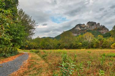 Seneca Rocks Trail by boldfrontiers