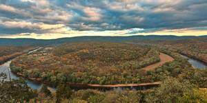 Potomac Horseshoe Bend (freebie) by boldfrontiers