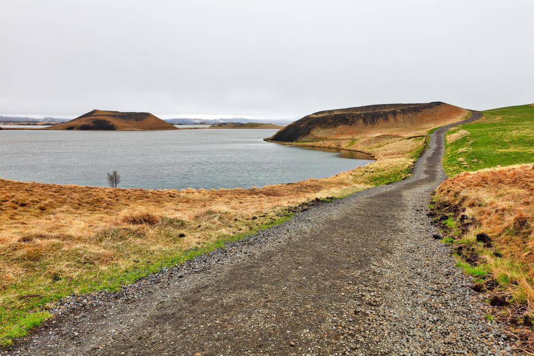 Winding Crater Trail - Skutustadagigar by somadjinn