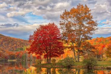 Autumn Foliage of Sherando Lake by boldfrontiers