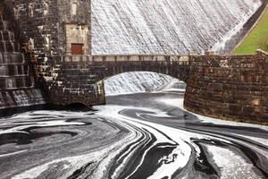 Claerwen Bridge Dam by boldfrontiers