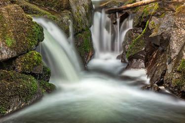 Aira Beck Cascades