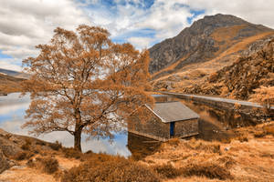 Ogwen Lake House - Orange Cream Fantasy by boldfrontiers