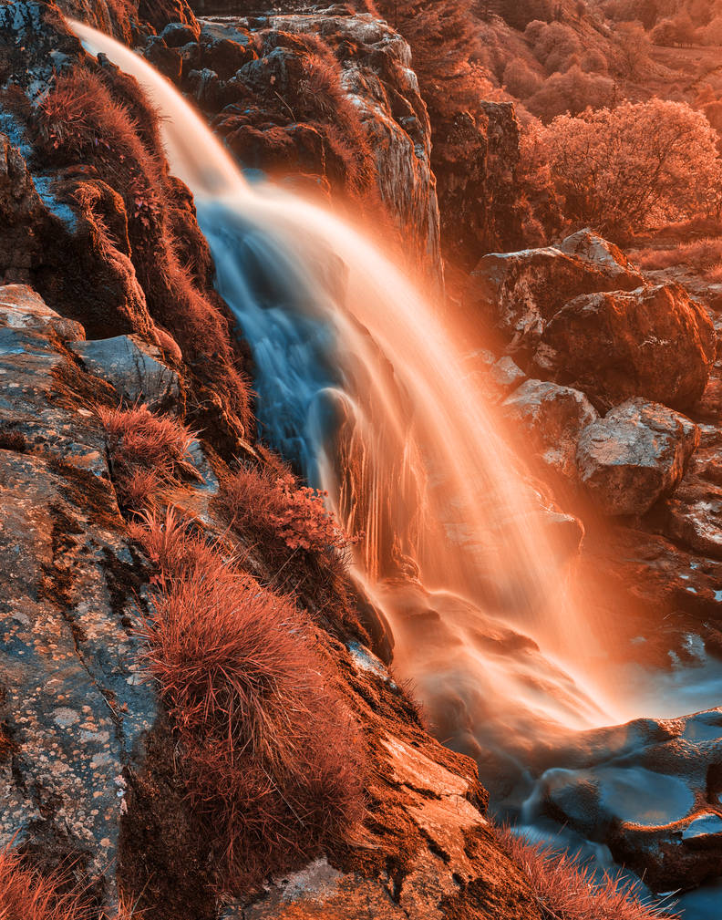 Venus Falls by boldfrontiers