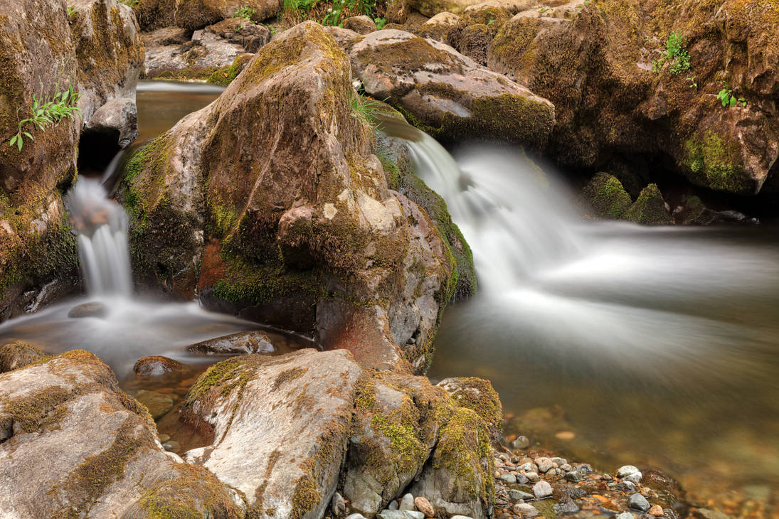 Aira Beck Split Stream by boldfrontiers