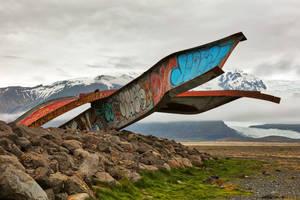 Twisted Girders of Skeidara Bridge by boldfrontiers