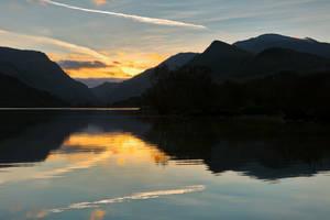 Padarn Sunrise by boldfrontiers